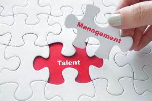 Comment se déroule l'évolution des ressources humaines vers le talent management.